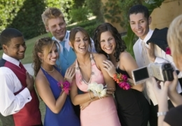 Pretty prom dresses for a perfect night in Edmonton