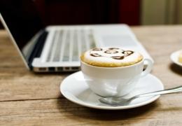 Apportez votre travail dans l'un de ces petits cafés
