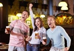 Soirée de quiz dans un bar montréalais