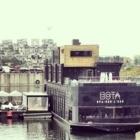 Bota Bota spa-sur-l'eau - Beauty & Health Spas - 514-284-0333