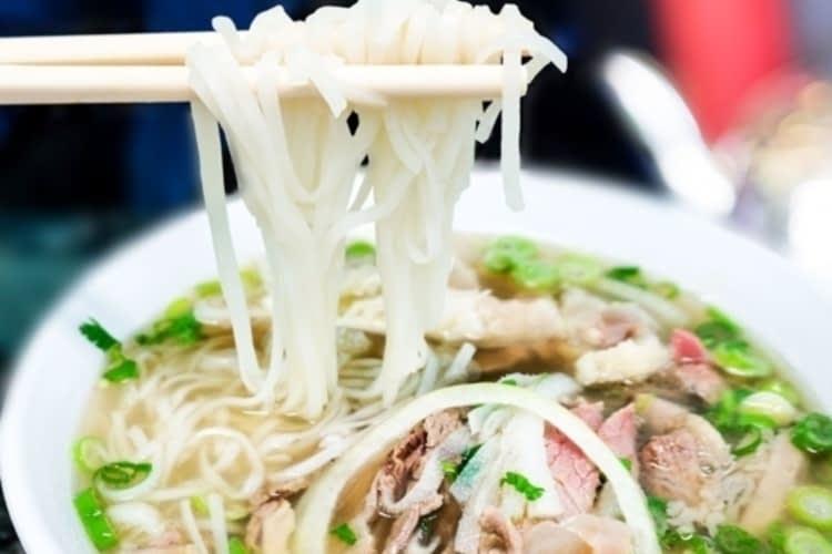 Réchauffez-vous grâce à ces délicieuses soupes pho