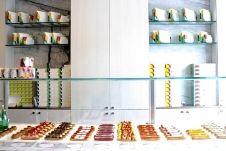 Find the best éclairs in Toronto