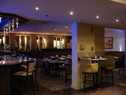 Restaurant Le Piolet - Restaurants - 418-842-7462
