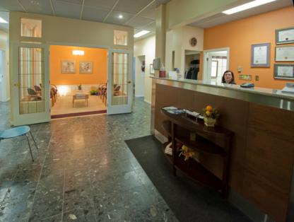 Peterborough Dental Clinic - Dentists - 705-745-6261