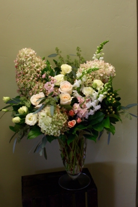 Oleander Floral Design - Gift Baskets - 416-236-8273