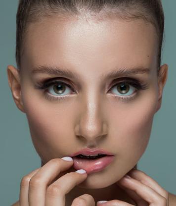Fringe Lash Lounge - Hairdressers & Beauty Salons - 306-763-0418