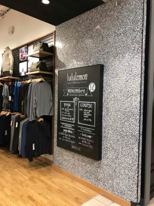 Lululemon Athletica - Magasins de vêtements de sport - 450-686-7562