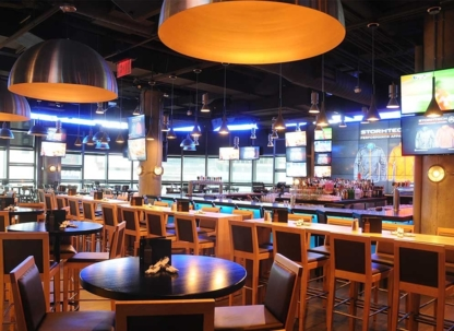 Moxie's Grill & Bar - Restaurants - 416-506-0753