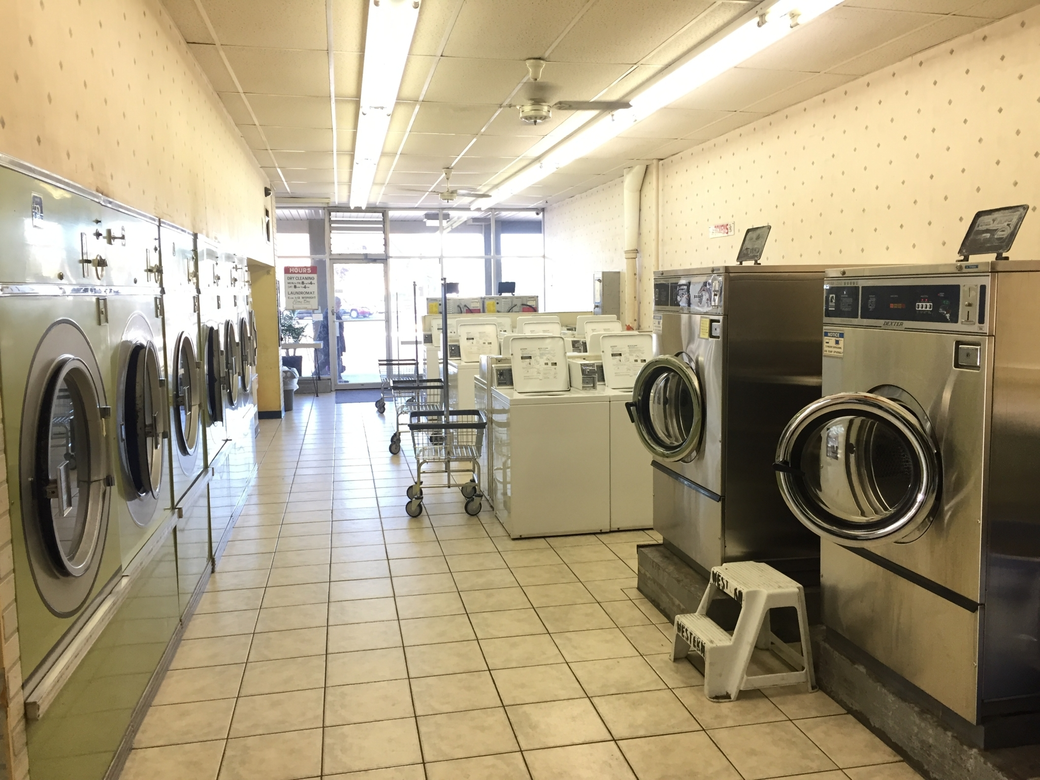 Sauders Dry Cleaners Amp Laundromat Opening Hours A 120