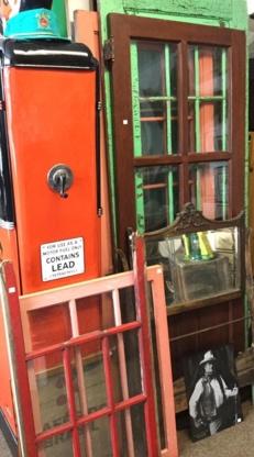 Freaks For Antiques & Collectibles Inc - Antiquaires