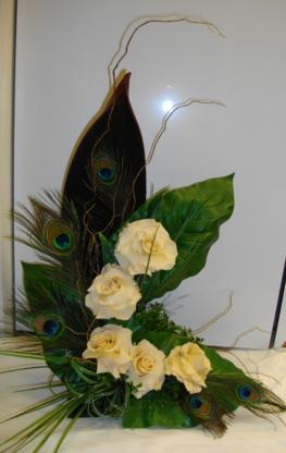 Fleuriste Pétales - Florists & Flower Shops - 450-965-1885