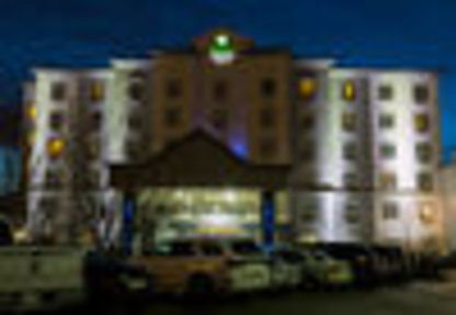 Holiday Inn Express & Suites Edmonton North - Hotels - 1-877-654-0228
