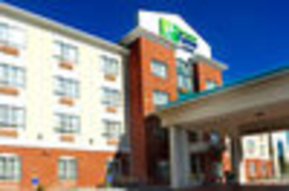 Holiday Inn Express & Suites Edson - Hotels