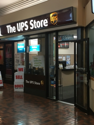 The UPS Store - Service de courrier - 604-689-1243