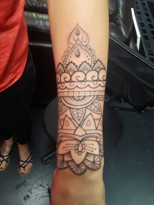 WhiteOwl Tattoos - Tattooing Shops