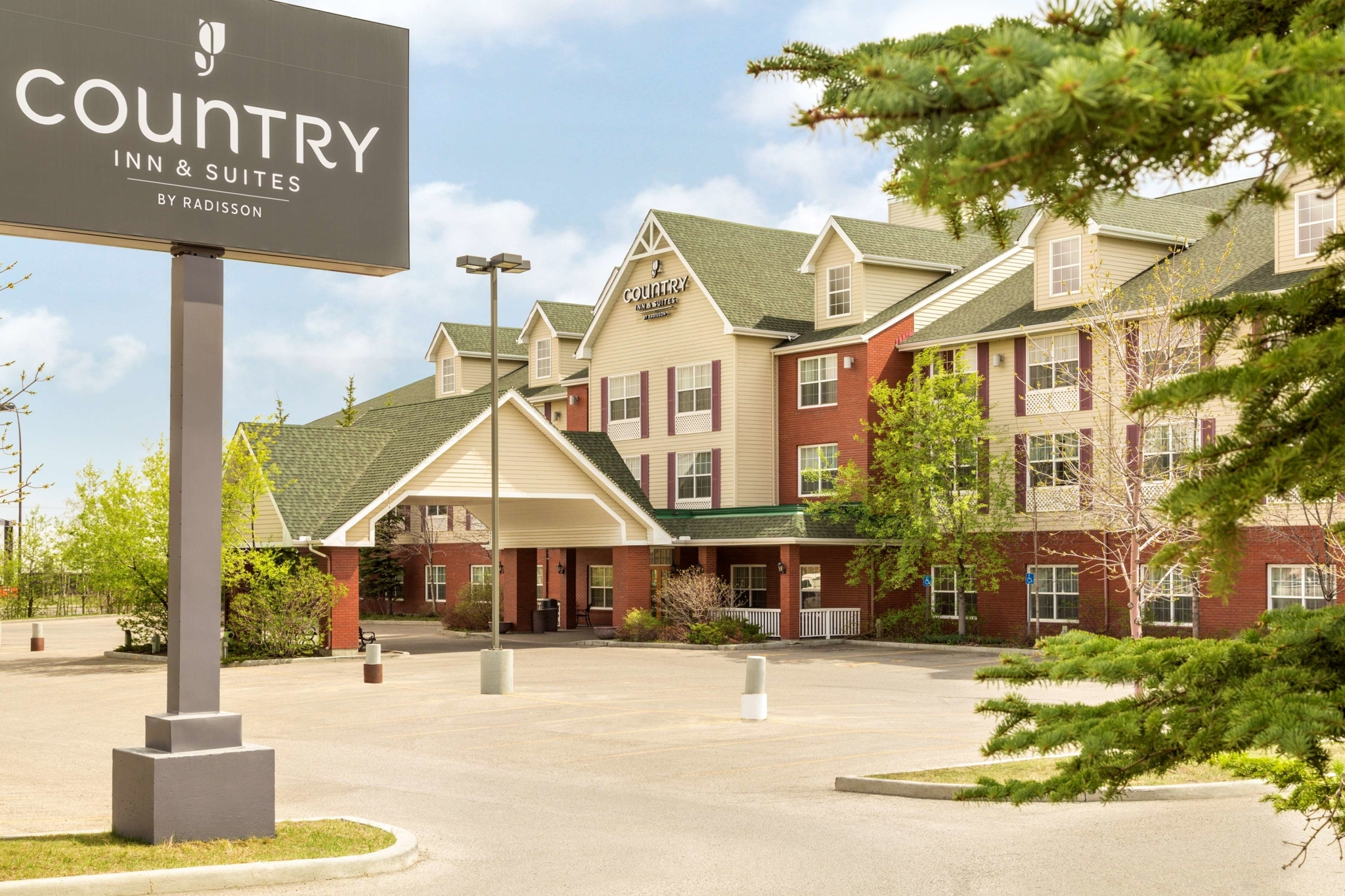 Country Inn & Suites by Radisson, Calgary-Airport, AB - Hotels