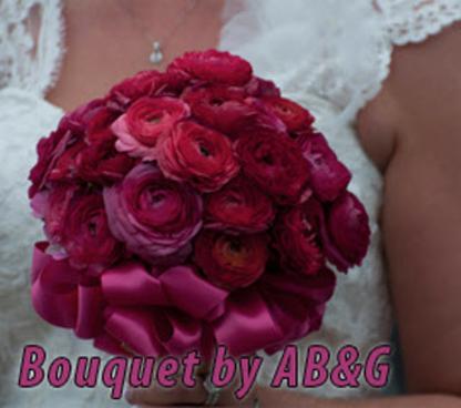 A Bride & Groom's Pictures & Blooms - Boutiques de mariage - 519-925-5205