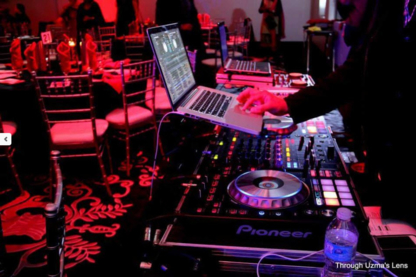 MAD DJ's - Restaurants - 416-554-4932
