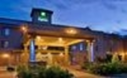 Holiday Inn Express & Suites Vernon - Hotels - 1-877-654-0228
