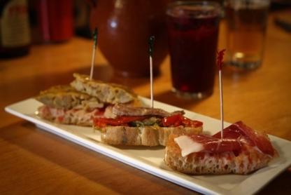 Ibéricos Taverne à Tapas Espagnoles - Restaurants - 514-845-4475