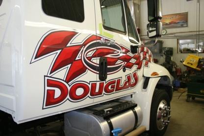 C Douglas Lettrage - Enseignes - 819-426-3419