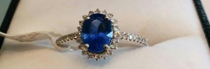 Divine Design Jewellery - Bijouteries et bijoutiers - 905-707-1900