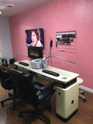 Star Nails - Hairdressers & Beauty Salons