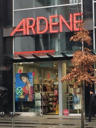 Ardene - Magasins de vêtements pour femmes - 778-370-5408