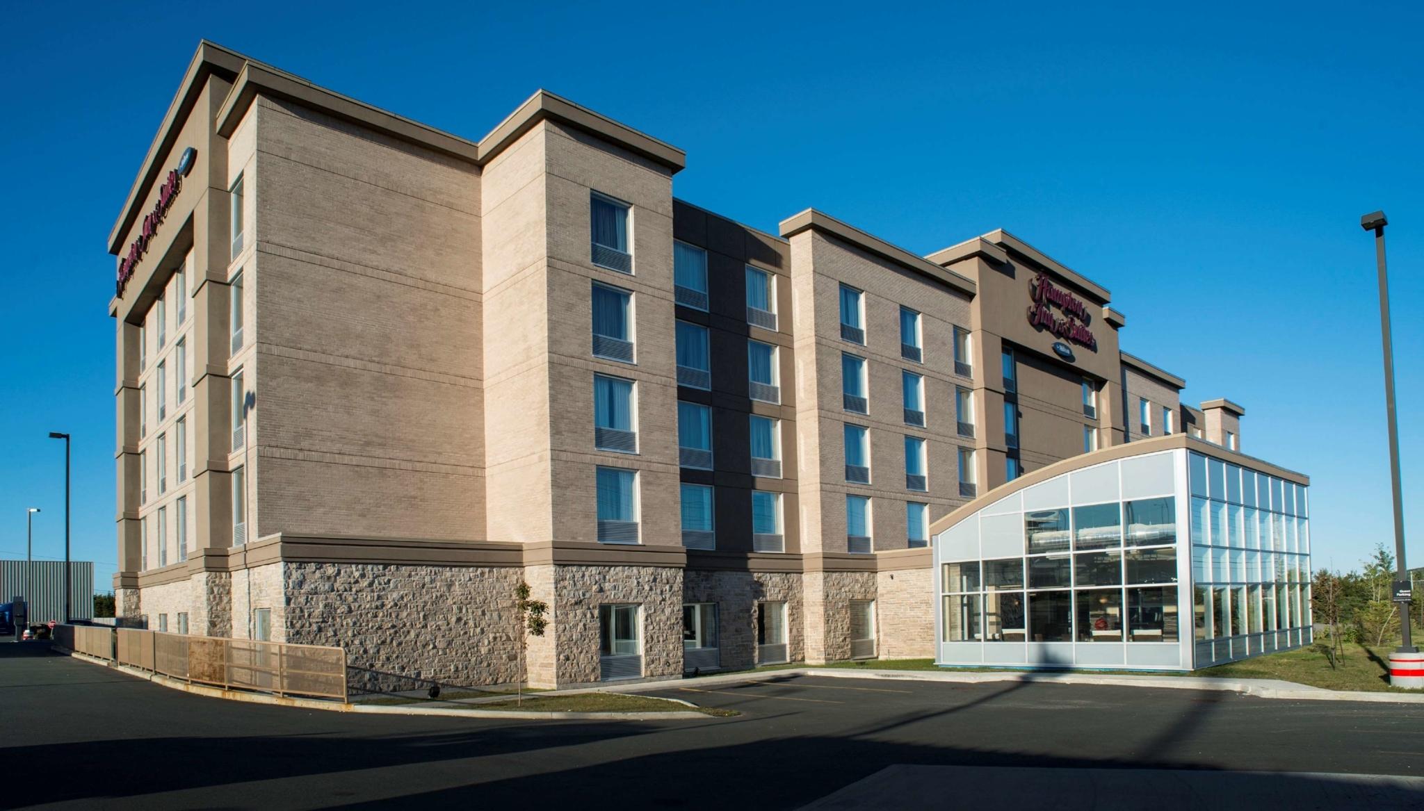 Hampton Inn & Suites by Hilton St. John's Airport - Hôtels