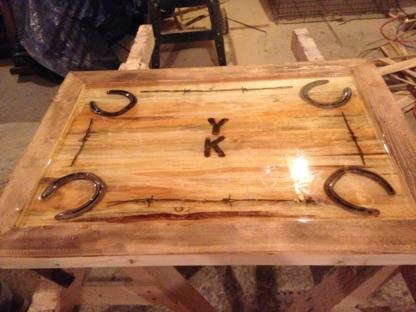 Wicked Willow Log Works - Custom Furniture Designers & Builders