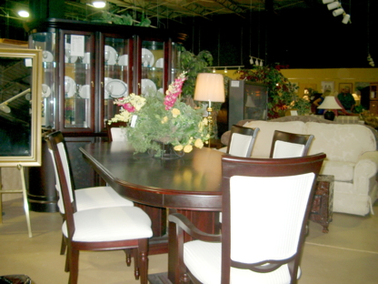 Total Home Consignment - Consignment Shops - 613-746-5004