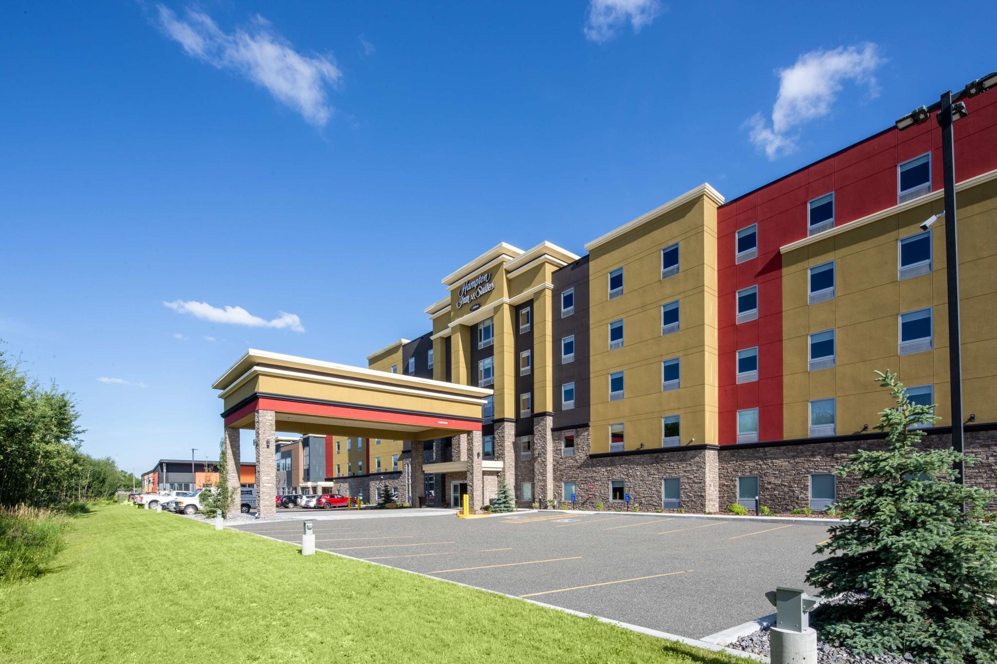 Hampton Inn & Suites by Hilton Edmonton St. Albert - Hôtels