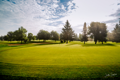 Sturgeon Valley Golf & Country Club - Terrains de golf publics