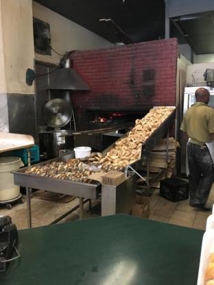 R E A L Bagel Q M Inc - Bakeries