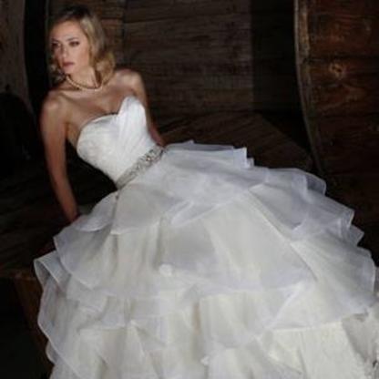 La Mariée En Folie - Bridal Shops - 450-550-3845