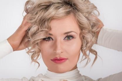Touch Of Class Hair Salon - Hairdressers & Beauty Salons - 519-758-0485