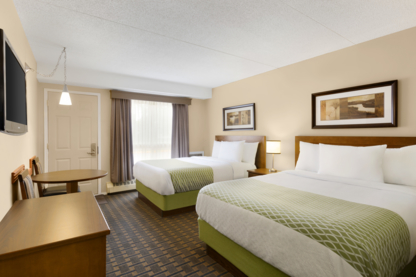 Colonial Square Inn & Suites - Hotels - 306-343-1676