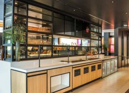SOCO Kitchen + Bar - Restaurants - 647-490-2696