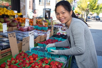 Fresh Fruit Market - Farmers Markets