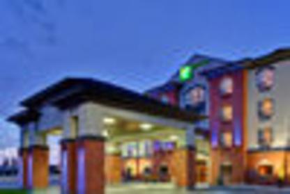 Holiday Inn Express & Suites Whitecourt Southeast - Hôtels - 1-877-654-0228