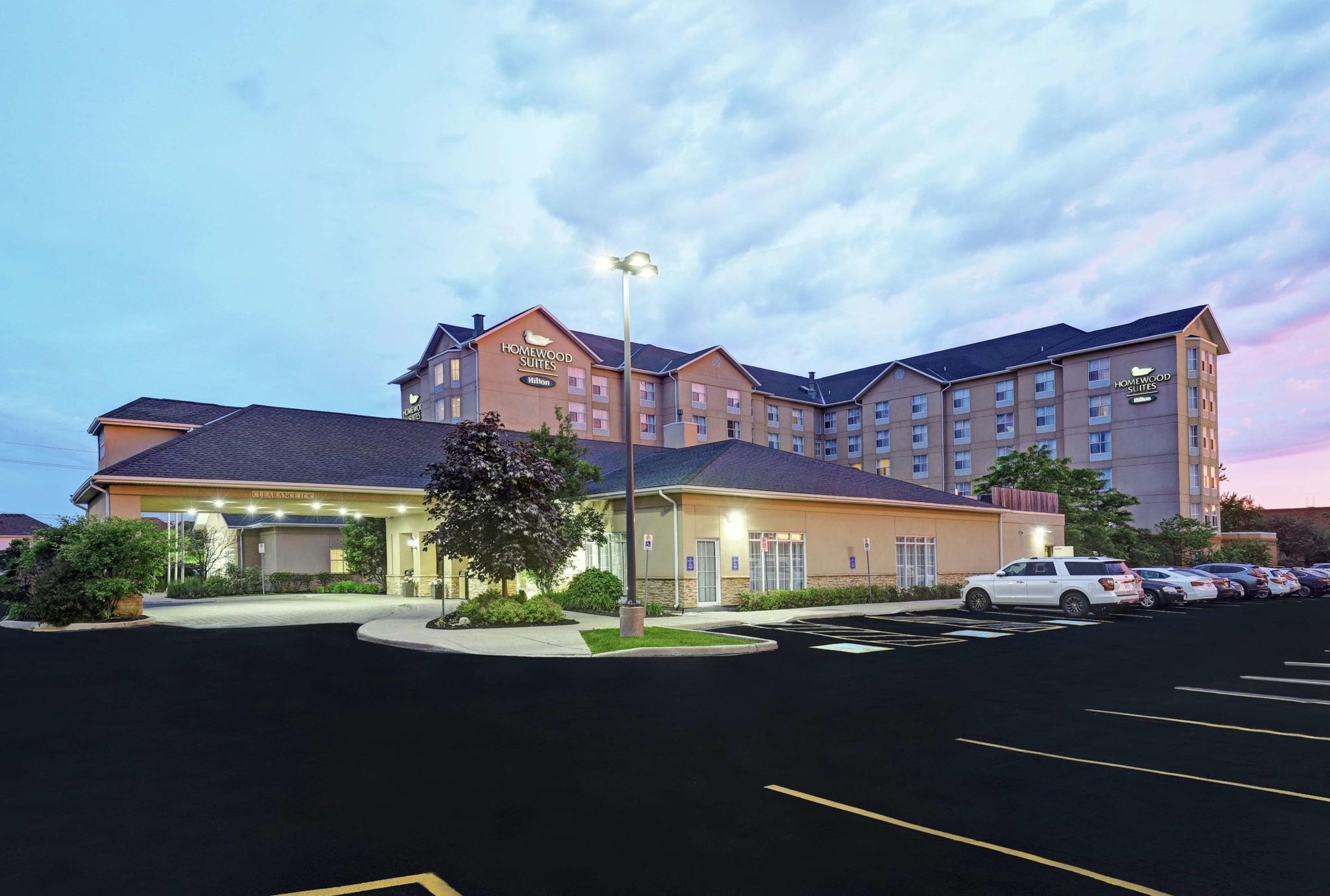 Homewood Suites by Hilton Cambridge-Waterloo, Ontario - Hotels