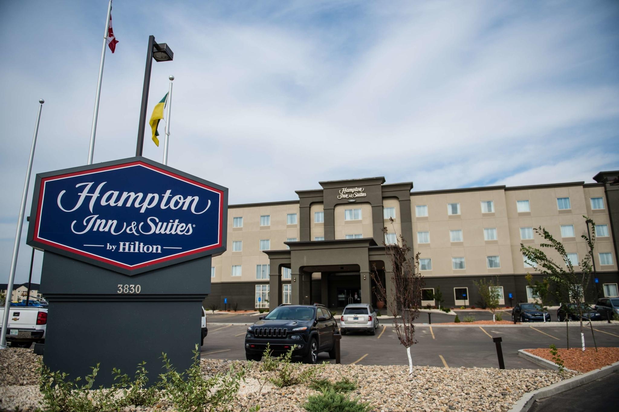 Hampton Inn & Suites by Hilton Regina East Gate - Hotels