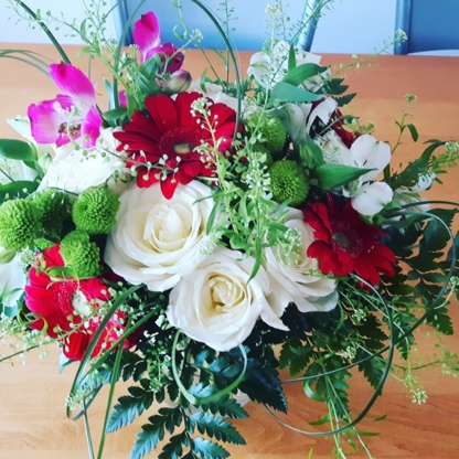 Bunches of Blooms Flower Studio - Gift Shops - 705-305-4359