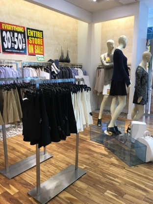BCBGMAXAZRIA - Women's Clothing Stores