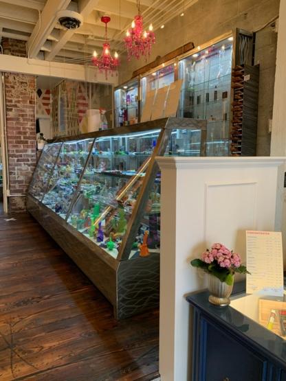 CottonMouth Cannabis - Smoke Shops