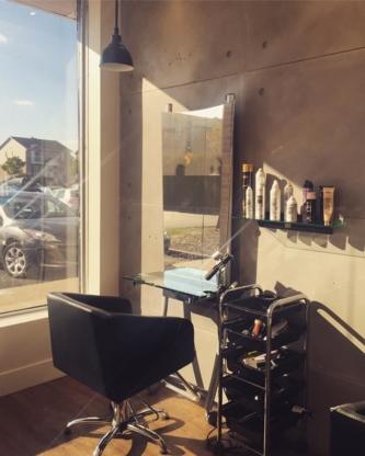 Les Ciseaux de Maryline - Salons de coiffure et de beauté - 450-658-0879