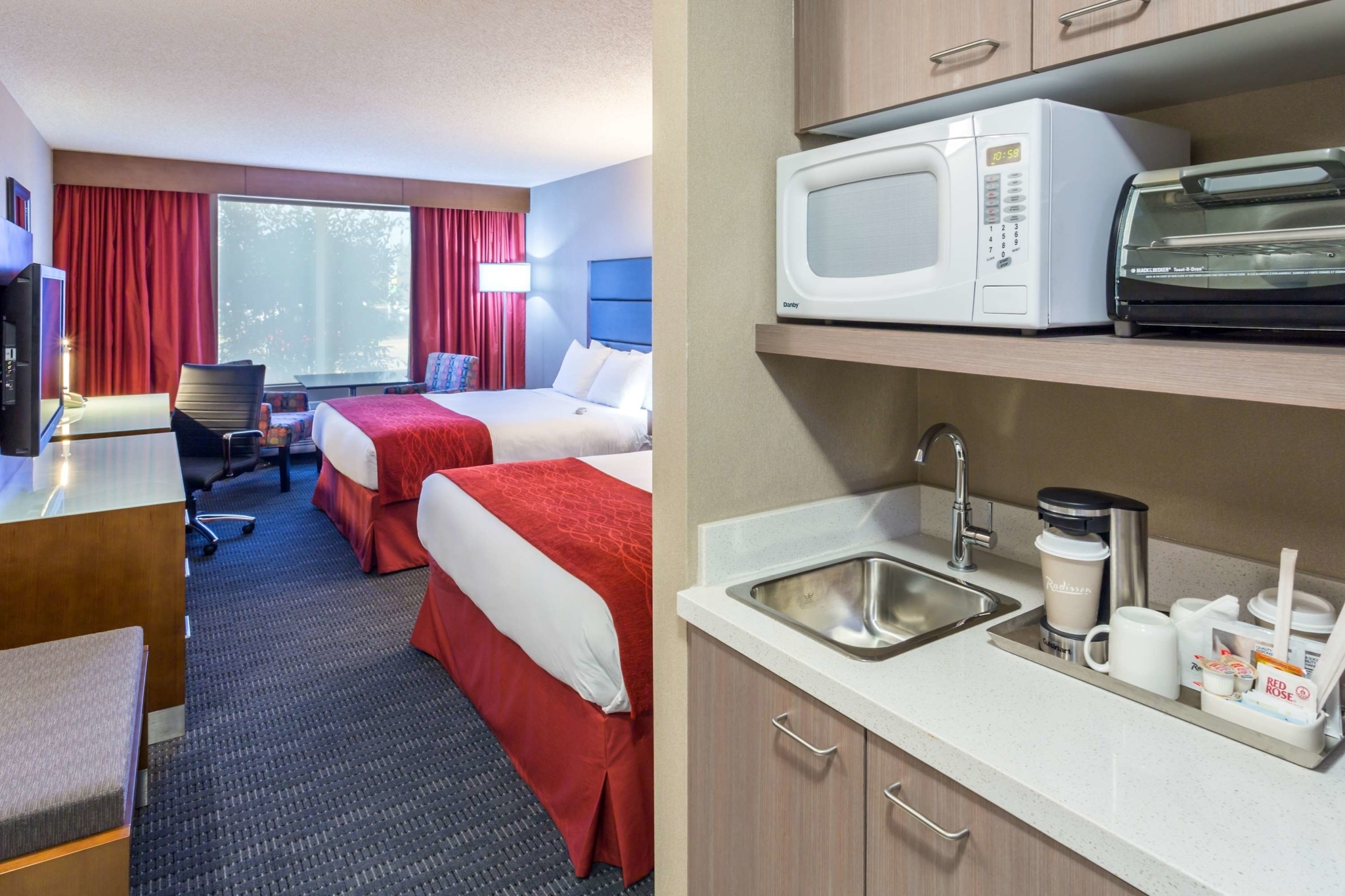 Radisson Hotel & Suites Fort McMurray - Hotels
