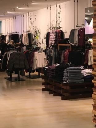Aritzia - Women's Clothing Stores