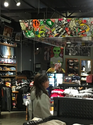 Zumiez - Clothing Stores - 604-431-1968