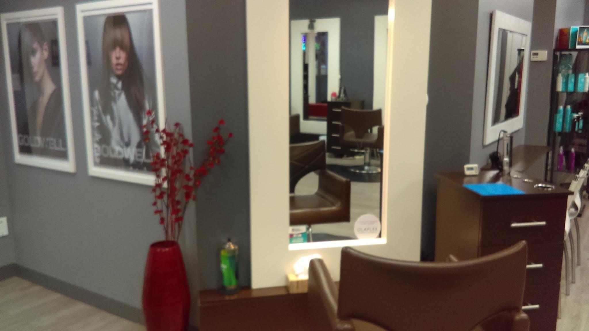 Salon coiffure yasmine belanger 28 images un d 233 des for Salon yasmine